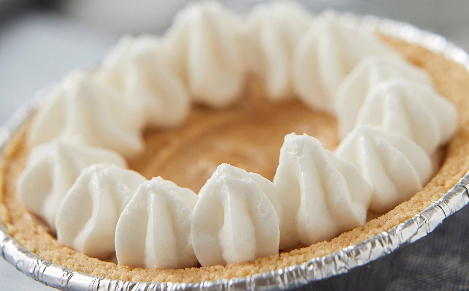 White Chocolate Peanut Butter Mini Pie