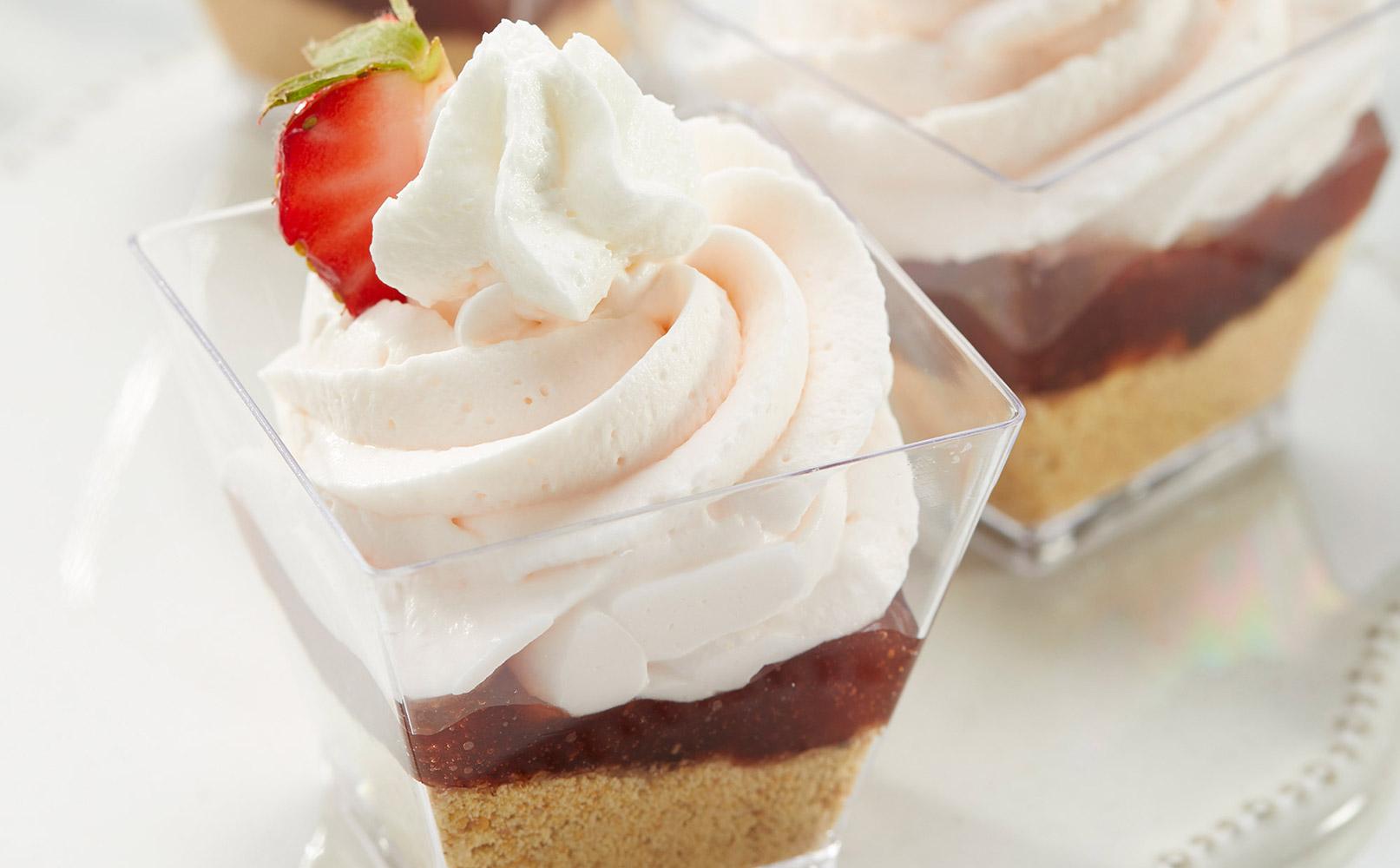 Double Strawberries & Crème Dessert Cup